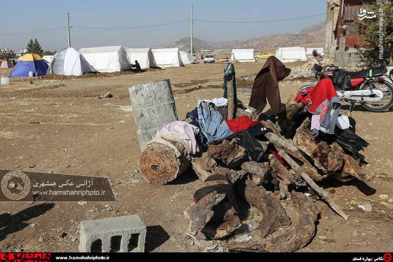 عکس هایی از زلزله زدگان ثلاث باباجانی ۲ هفته پس از زلزله